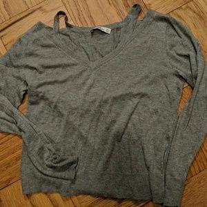NWOT Zara cold shoulder sweater